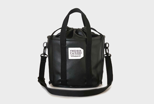 DRAW STRING MINI TOTE FAKE LEATHER 人気のミニトートバッグ