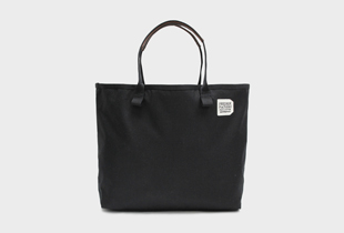 ESSENTIAL TOTE  トートバッグ