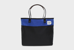 ESSENTIAL TOTE 2TONE ツートーンカラーが特徴のナイロン製通勤バッグ
