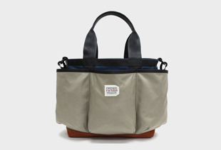 UTILITY TOTE  肩掛けもできるトートバッグ